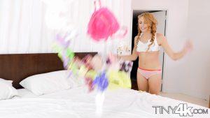 Tiny4k Zoe Clark Goes Crotchless 6
